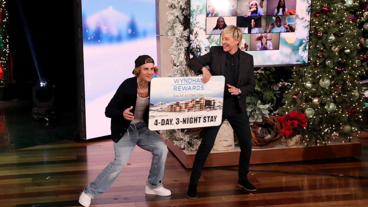 Ellens Christmas At Home Giveaway 2021 Ellen S 12 Days Of Giveaways Day 5